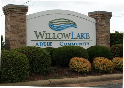 Willow Lake Homes Entrance